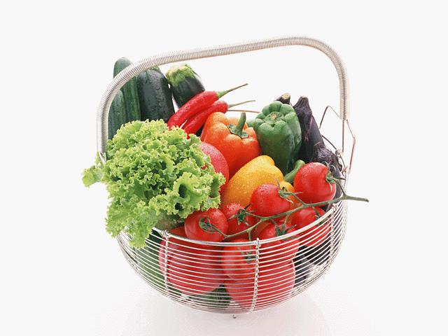 カゴに入った沢山の野菜